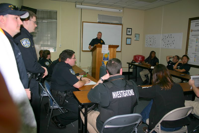 Central CSU Sgt. Sean Wilson briefs officers before 39th Street Drug Sweep