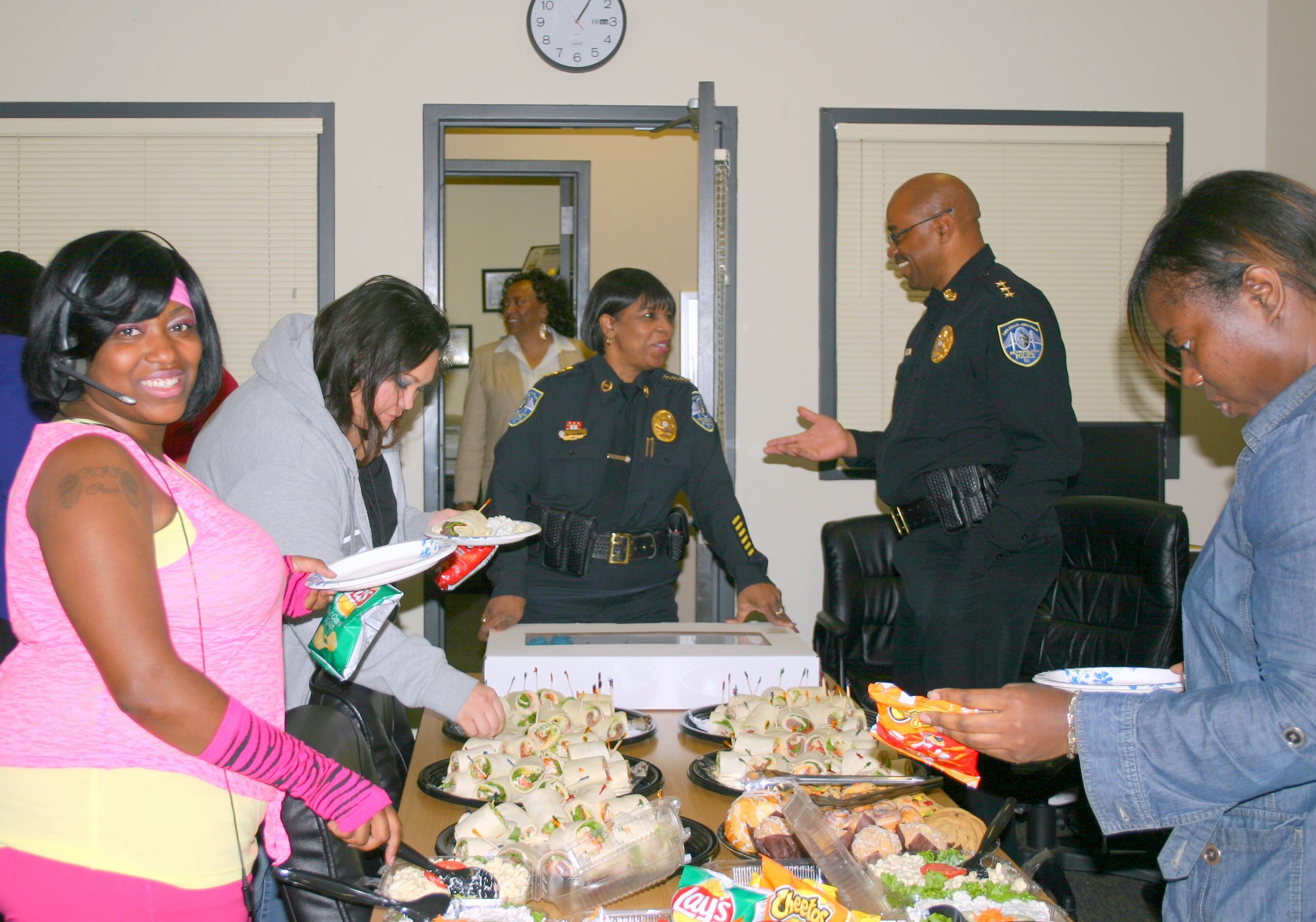 Tolbert, Enoch buy lunch for 911 Telecommunicators