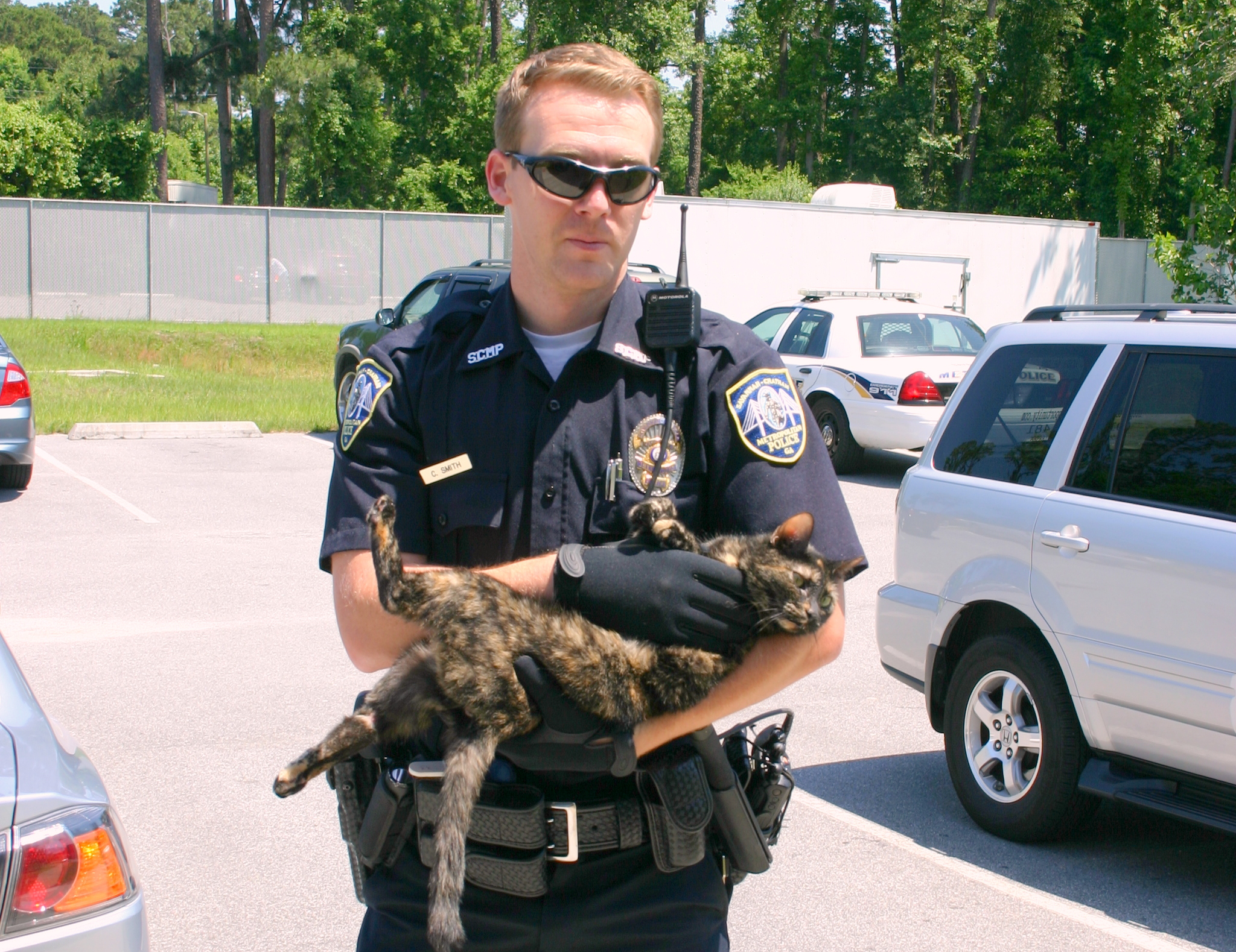Ofc. Smith and injured cat