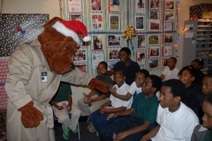 1 web Mcgruff Christmas at Central Precinct 12-16-2014 Urban Hope (7) - Copy