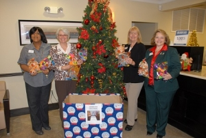 3 Certus Bank gives to employee luncheon at Central Precint 12-08-2014 (10) - Copy
