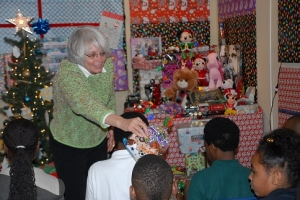 5 a Web Carol Certus Urban Hope Christmas at Central Precinct 12-16-2014 (53) - Copy